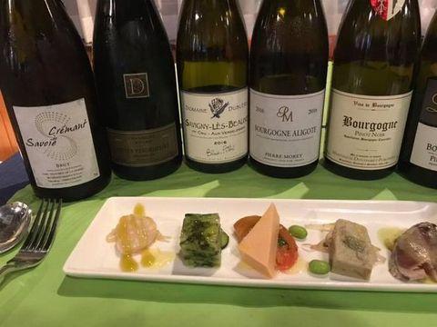 100年前のワイン前菜とシャンパン.jpg