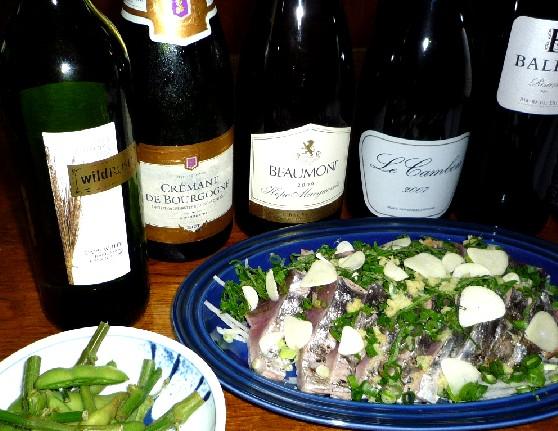 カツオのタタキとワイン.jpg