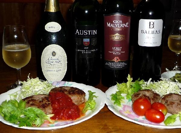 ハンバーグとワイン.jpg