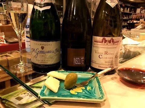 オリーヴ、チーズ、シャンパン、ヴォーヌ・ロマネ.jpg