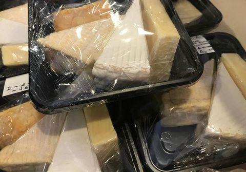 チーズセット販売中.jpg