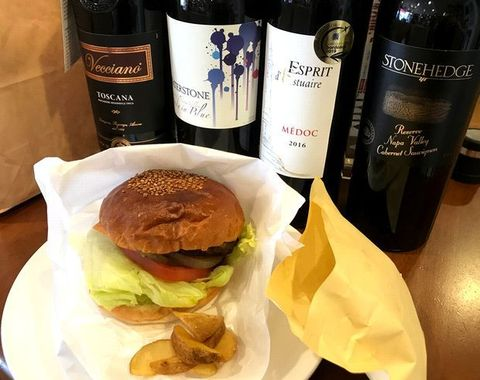 ハルさんのハンバーガーとワイン.jpg