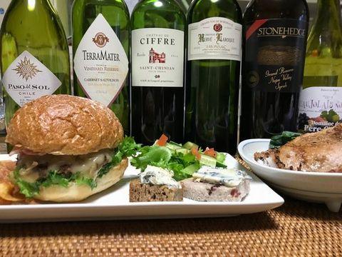 ハンバーガーとワイン.jpg