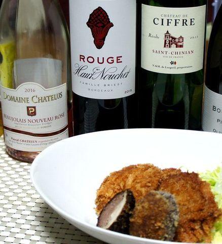 ヒレカツ、椎茸の肉詰めとワイン.jpg