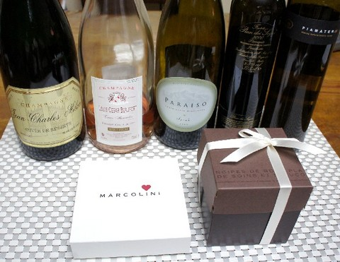 ピエール・マルコリーニとワイン.jpg