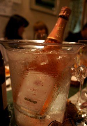 ルイセザールロゼ冷やしシャンパン.jpg