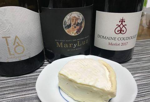 ルーナ北海道チーズとワイン.jpg