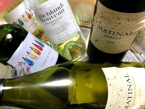 ワインクーラーにワイン.jpg