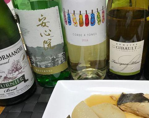 平目の煮付けに白ワイン.jpg