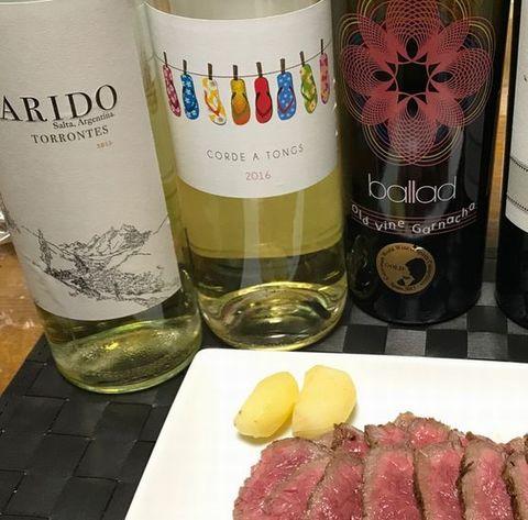 松坂牛と白ワイン.jpg