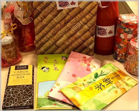 母の日に新茶&甘口ワイン.jpg