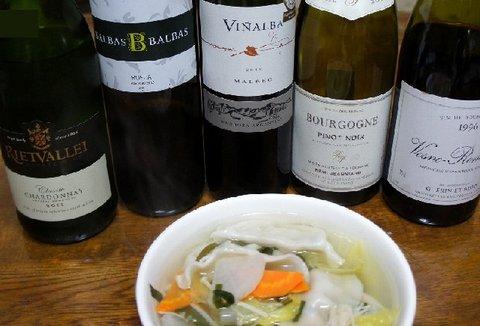 水餃子とワイン.jpg