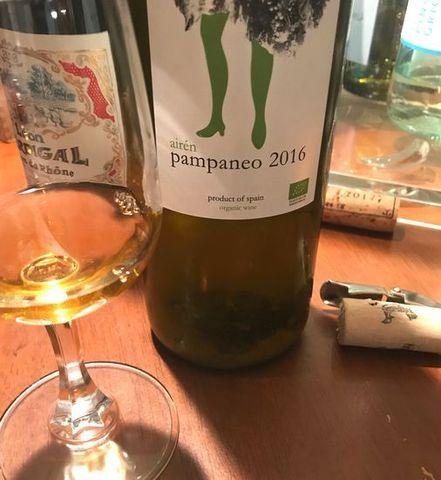 澱の残ったオレンジワイン.jpg