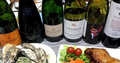 牡蠣とチキンにシャンパン&シャブリ.jpg