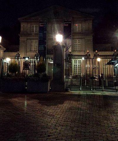 英国大使館夜.jpg