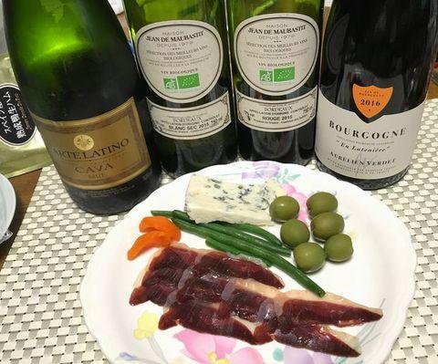 鴨ハムとロックフォールにワイン.jpg