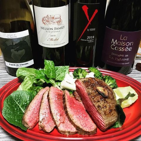 yoshikiワインと肉.jpg